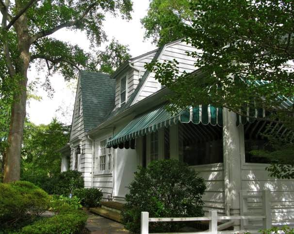 House in Centerport