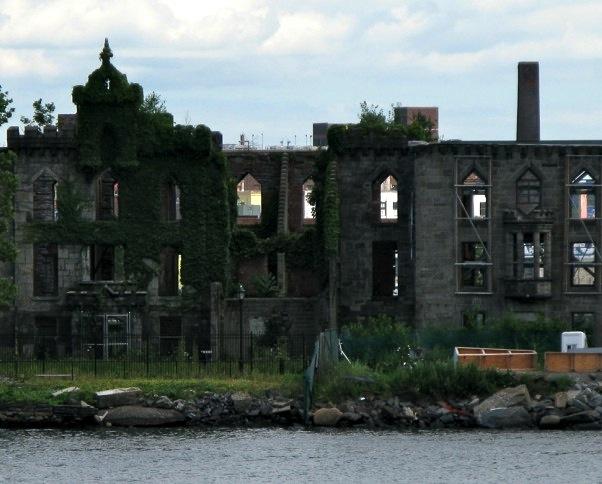 Ruins Roosevelt Island