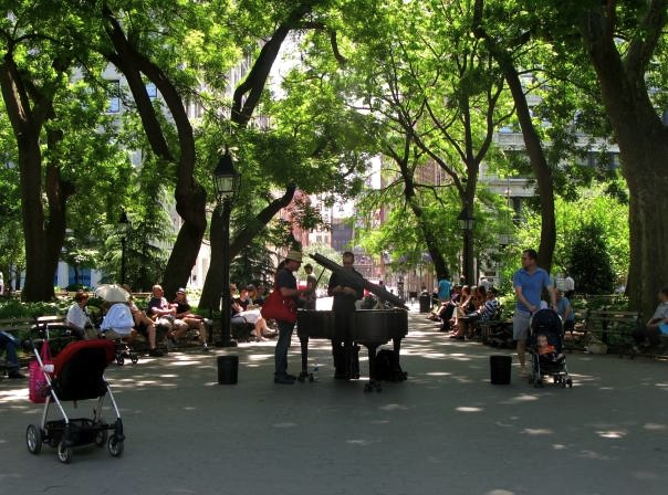 Piano player in Washington Square Park, New York City