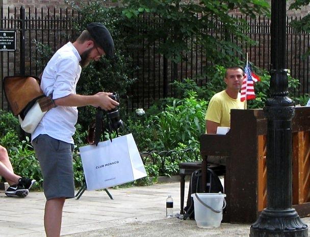 Pianist, Bleecker Street Park
