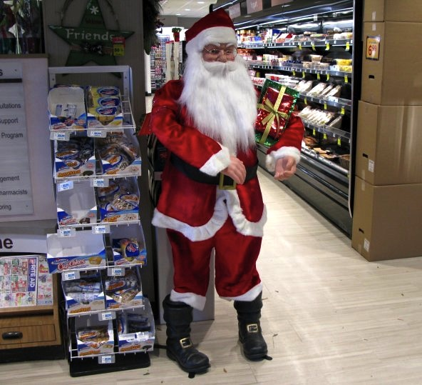 Scary Rite Aid Santa, New York City